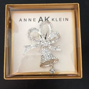 New Anne Klein Xmas Ribbons and Bell Glitzy Brooch